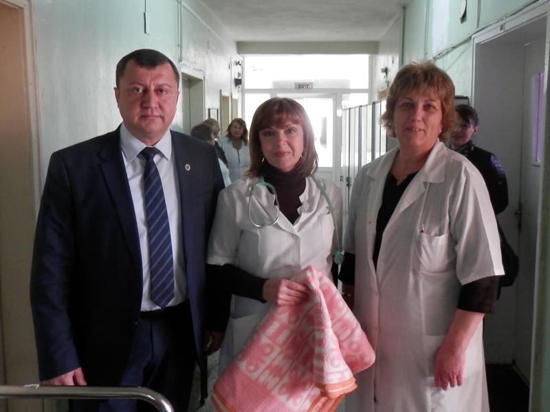 IДарение от 30 одеяла за МБАЛ-Павликени