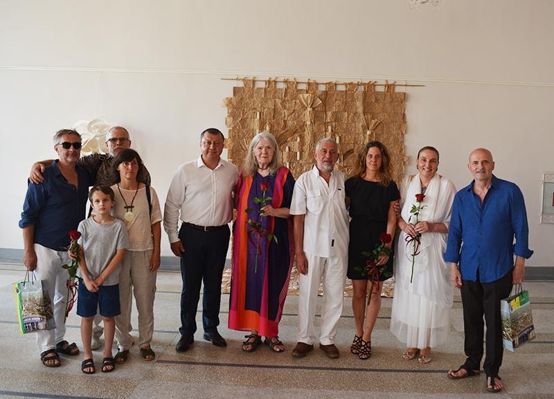 """IХудожници от Франция, Словакия, Германия и България откриха изложбата """"Павликени и светът"""""""