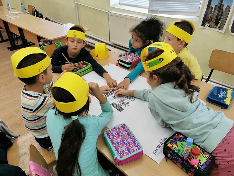 """IДизайн мислене учат децата в 1. и 2. клас в СУ """"Бачо Киро"""""""